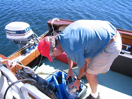 Limnologist-packing-up-sondes.jpg