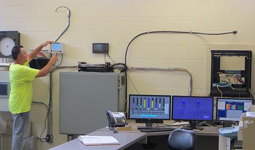 A633-IQSN-Monitors-and-2020XT.jpg