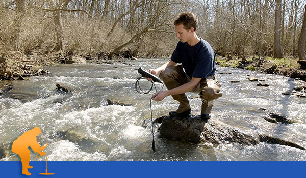 Water Quality Sampling in a River | YSI
