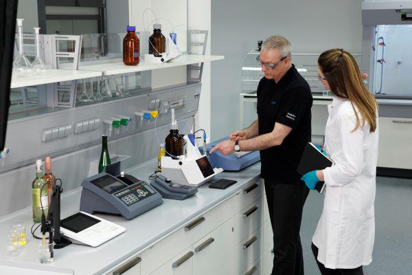 Karl Fischer Sample Preparation in Pharmaceuticals