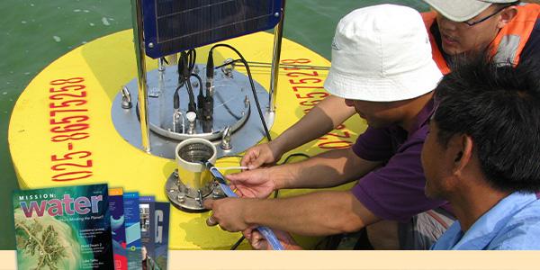 Lake Taihu Water Quality Buoy Maintenance